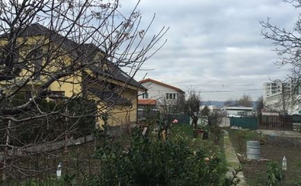 Predáme 6,12 ár. pozemok určený na výstavbu rodinného domu v mestskej časti Ružinov II.