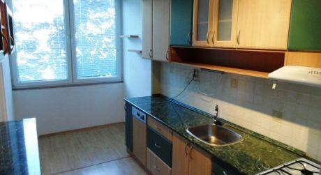 Na predaj 3 izbový byt, 61 m2, Dubnica n/V,ul.Partizánska