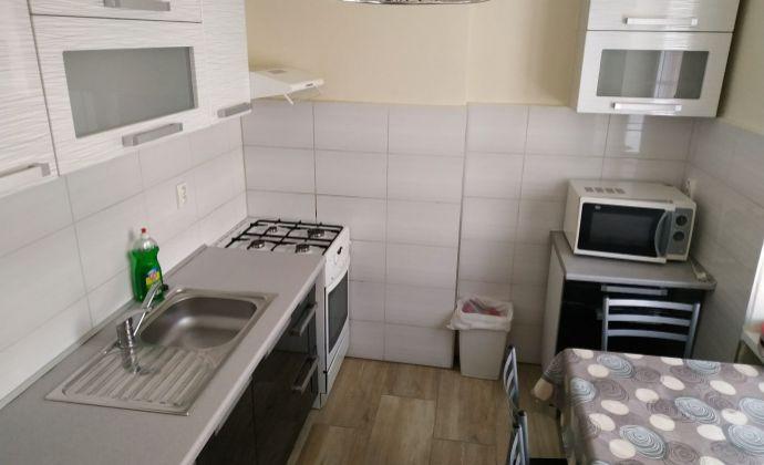 Ponúkame 3 izbový byt na prenájom vhodný pre 6 osôb blízko stanice