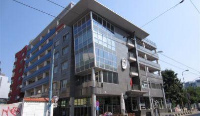 Prenajmeme krásny, slnečný 4 - izbový byt priamo v centre na Dunajskej ulici