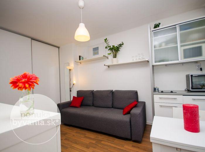 PRENAJATÉ - SIBÍRSKA, 1-i byt, 21 m2 – TEHLA, kompletná REKONŠTRUKCIA, zariadený, voľný, PROVÍZIU NEPLATÍTE