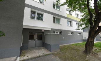3-izbový byt v zateplenom dome, Latorická ulica, 1.poschodie, pôvodný stav