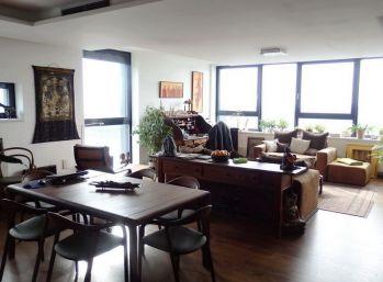 BA River Park (Dvořákovo nábrežie) - luxusný veľkometrážny byt 185 m2 + parkovanie.