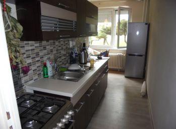 2-i byt, 60 m2 LOGGIA,kompletná REKONŠTRUKCIA, pokojné bývanie v CENTRE mesta