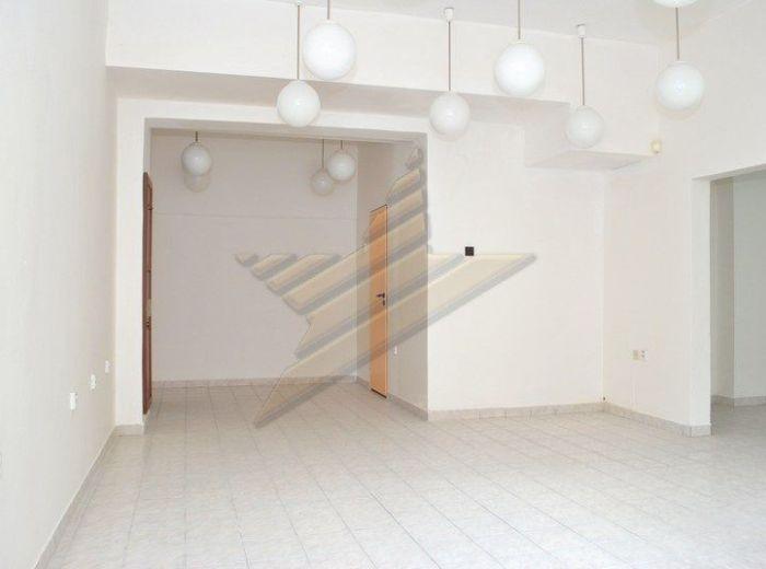 PREDANÉ - PRIBIŠOVA, nebytový priestor, 61 m - NA PREDAJ výborne situované priestory, PRIAMO V CENTRE DLHÝH DIELOV