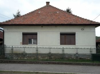 Predáme rodinný dom - Maďarsko - Novajidrány - s dvoma pozemkami