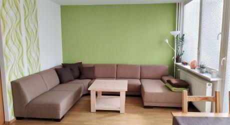 Na predaj zrekonštruovaný 3 izbový byt s balkónom, 62 m2, Trenčín, ul. Saratovská