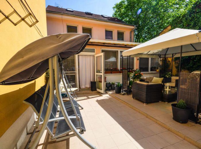 KOVOROBOTNÍCKA, 18-i dom, 625 m2 - dobrá dispozícia, VHODNÝ NA PODNIKANIE – ubytovacie služby
