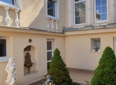 Ponúkame na predaj 2 podlažný rodinný dom v tichej lokalite Bratislava Lamač.