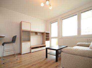 REZERVOVANÉ - 2i byt, 38,5 m2 - BA II - Košická ul., VEĽKÁ LOGGIA, NOVOSTAVBA, KOMPLETNE ZARIADENÝ