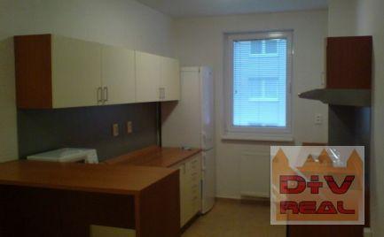 D+V real ponúka na predaj: 2 izbový byt, Na Križovatkách, Bratislava II, Ružinov,  s balkónom, parkovacie miesto v cene, Ružinov, pri AVIONE, priestranný