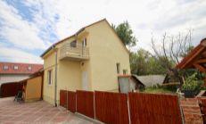 ASTER PREDAJ: RD v spoločnom dvore po čiastočnej rekonštrukcii,ÚP: 89 m2, Svätý Jur