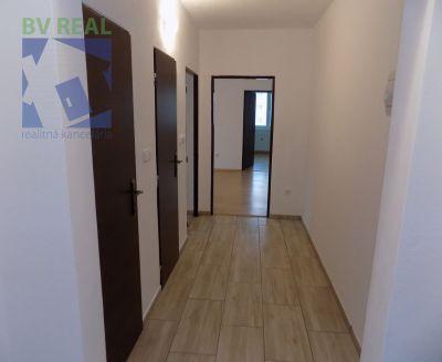 Prenájom 3 izbový byt 65 m2 Prievidza M. Mišíka 19020 | bvreal.sk