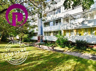 REZERVOVANÉ: 1i byt, 40 m2 – BA-Rača: veľká zasklenná loggia, množstvo zelene, POKOJNÁ TICHÁ LOKALITA - ihneď voľný