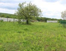 Ponúkame  na predaj  stavebný pozemok 906 m2 v obci MARIANKA vo výbornej lokalite v prostredí krásnej prírody. Možnosť kúpiť aj samostatne.