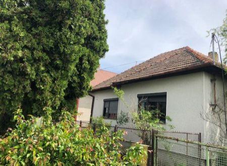Rodinný dom v Šarovciach na predaj!