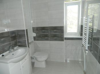 Predáme väčší 2-izbový byt po kompletnej rekonštrukcii v Seredi