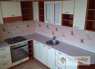 2820 Na predaj 3-izb.byt v Nových Zámkoch.