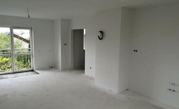 Prievoz - dvoj generačný 6izb.rodinný dom po kompletnej rekonštrukcii v stave holodomu