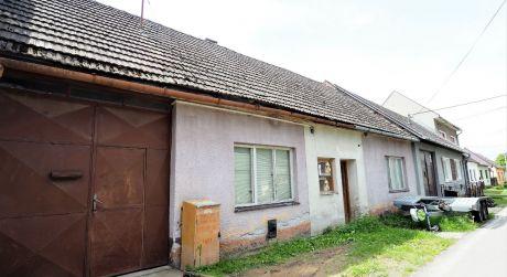Na predaj rodinný dom 3+1, stodola, 1.762 m2, Dubnica nad Váhom časť Prejta