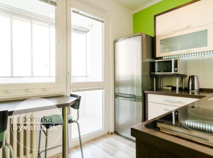 PREDANÉ - Š. KRÁLIKA, 1-i byt, 38 m2 - kompletná REKONŠTRUKCIA, zasklená LOGGIA, 80 EUR/mesačne, IHNEĎ VOĽNÝ