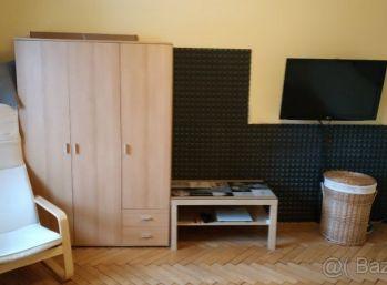 Predám 1 izbový byt Uhlisko  Banská Bystrica