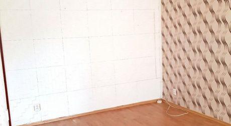 Na predaj tehlový 1 izbový byt, 26 m2,Nová Dubnica, centrum