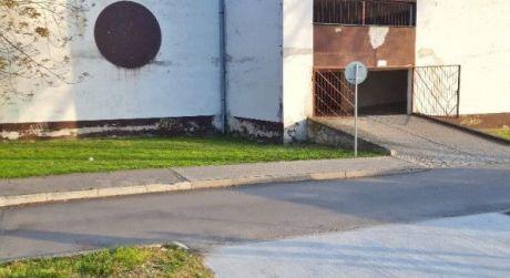 Na predaj murovaná garáž s elektrinou, Trenčín, Sihoť