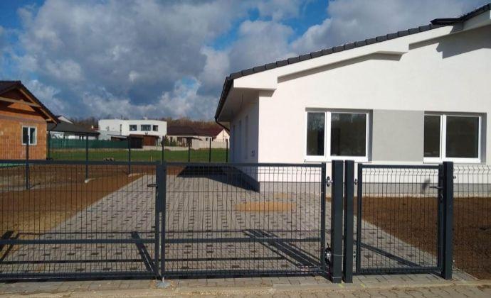 Ponúkame na predaj novostavbu RD - Bungalov v mestskej časti Zamarovce - Trenčín.