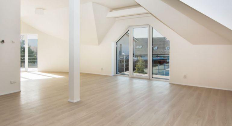 4 izbový byt v štandarde s pozemkom 255m2 v Záhorskej Bystrici
