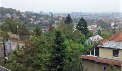 Prenájom -  Exkluzívny 3 a 5 izbový  byt s terasou -  krásnym výhľadom na mesto v lukratívnej mestskej časti - Horský park. BA I.TOP PONUKA
