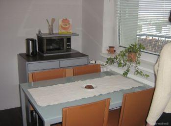 KRÁSNY VÝHĽAD!!!Ponúkame na predaj 1,5 izbový byt Klokočina ( 195-111-LUZnov )
