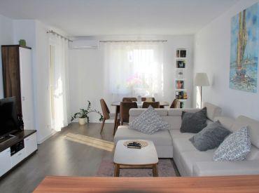 Veľmi pekný 3-izbový byt s terasou