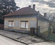 Len u Nás!!!DIAMOND HOME s.r.o  Vám ponúka na predaj 4izb. RD v obci Kľúčovec 9 km od Veľkého Medera,len za 28000Eur!