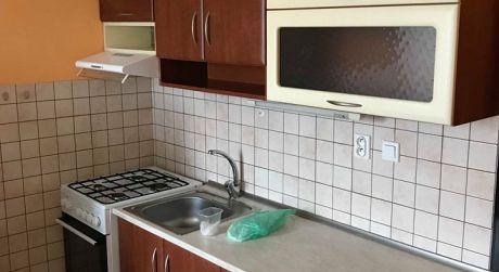 Prenajom - kompletne prerobený 1 izbový byt s loggiou na Špitálskej ul. v Komárne