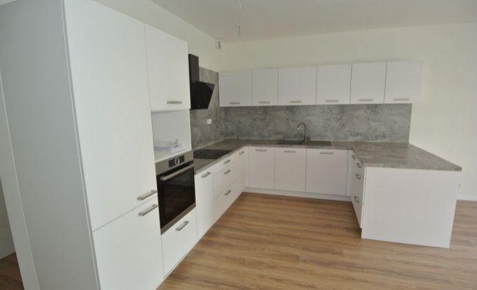 Prenájom,  3- izb. (76,48 m2 + 3,64 m2 loggia + 2 m2 loggia), ešte neobývaný byt v čerstvo skolaudovanom komplexe MamaPapa s garážovým státím, ul. Nejedlého, Bratislava IV- Dúbravka