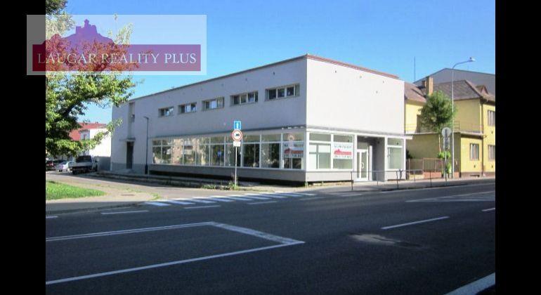 Exkluzívne vám ponúkame na prenájom zrekonštruované, obchodné priestory pri hlavnej ceste V Dubnici nad Váhom.