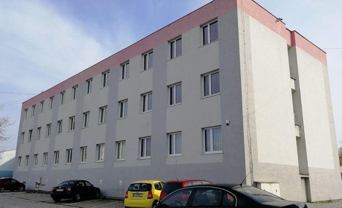 Kancelária na prenájom s malým skladom, 40 m2, Galvaniho ul., Bratislava