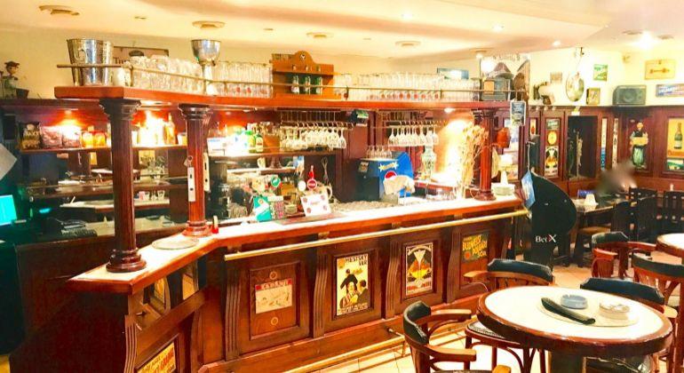 Štýlový obchodný, reštauračný, kaviarenský priestor (Stylish space FOR RENT), centrum mesta, Radlinského ul., Bratislava I. Staré Mesto