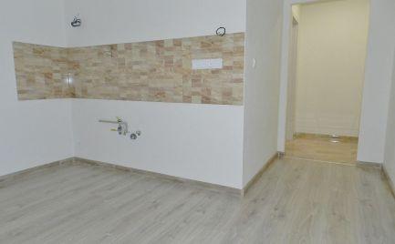 Trojizbový byt blízko centra, Žiar nad Hronom, kompletná rekonštrukcia, 75 m2