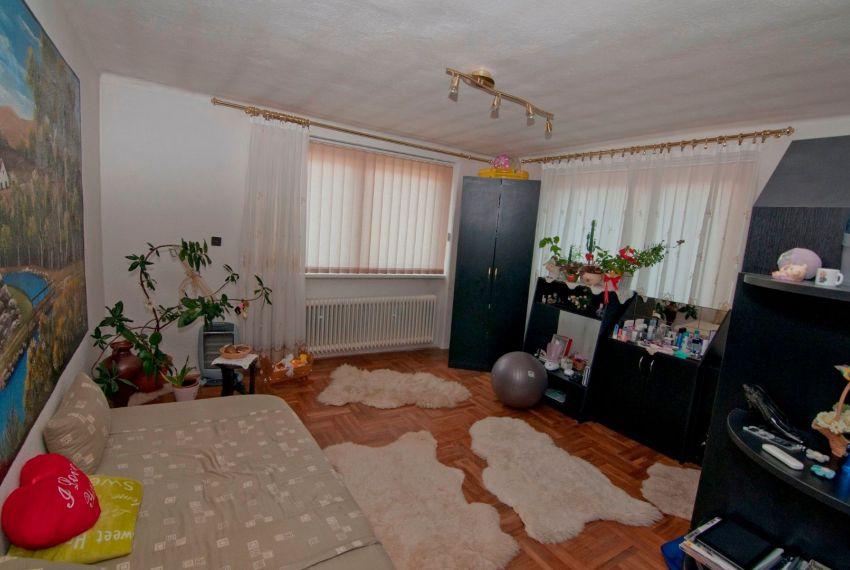 Predaj Rodinné domy Breznička-12