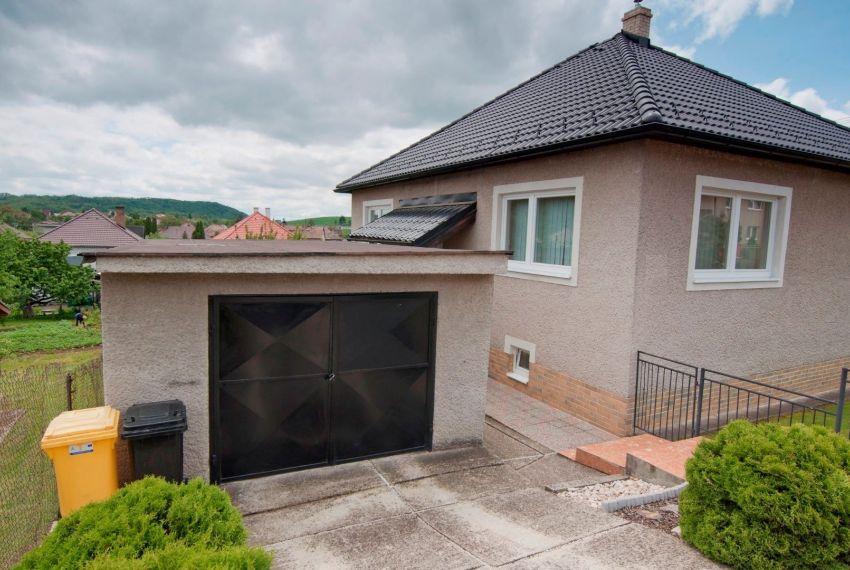 Predaj Rodinné domy Breznička-1