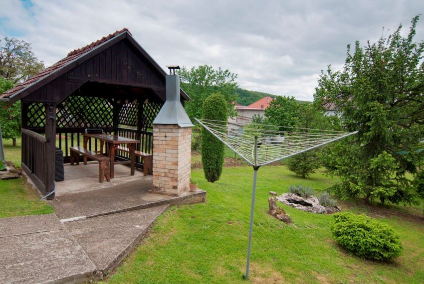 Predaj Rodinné domy Breznička-5