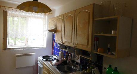 Predaj - čiastočne prerobený 2 izbový byt na Sústružníckej ulici v Komárne