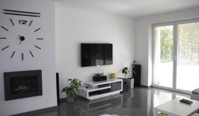 EXKLUZÍVNE na predaj 6i novostavba RD v príjemnom prostredí, garáž, Dunajská Lužná, 15km od Bratislavy