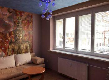CENTRUM .....2,5 izbový tehlový slnečný byt Banská Bystrica