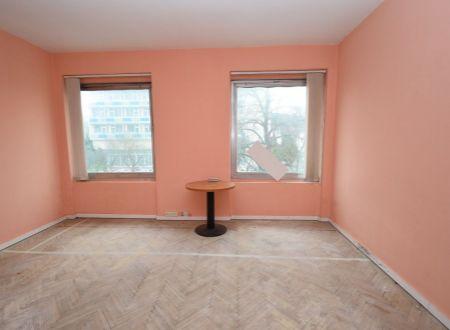 Prenájom- kancelárske, komerčné priestory 15m2, 24m2, v centre Piešťan