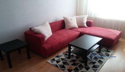!PRENAJATÉ! 2 - izb. byt s loggiou v užšom centre Nitry