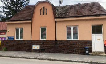 Ponúkame na prenájom Rodinný dom vhodný na bývanie aj podnikanie v Trenčíne, Legionárska ul.