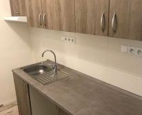 Na predaj 2 izbový byt 44 m2 Handlová 79050